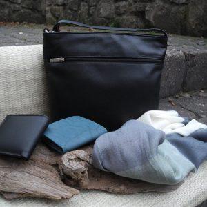 Tasche-schwarz-blau1